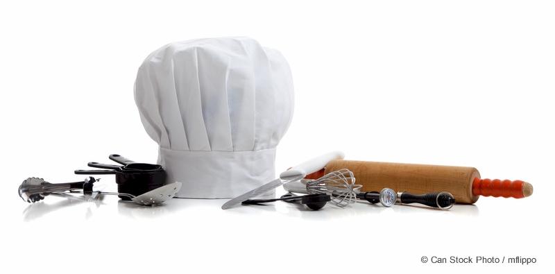 Ustensiles de cuisine et chapeau de chef cuisinier